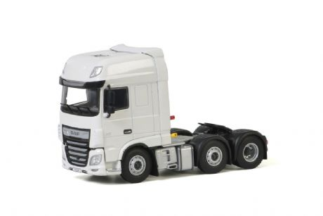 WSI White Line DAF XF Super Space Cab MY2017 6x2 Twin Steer